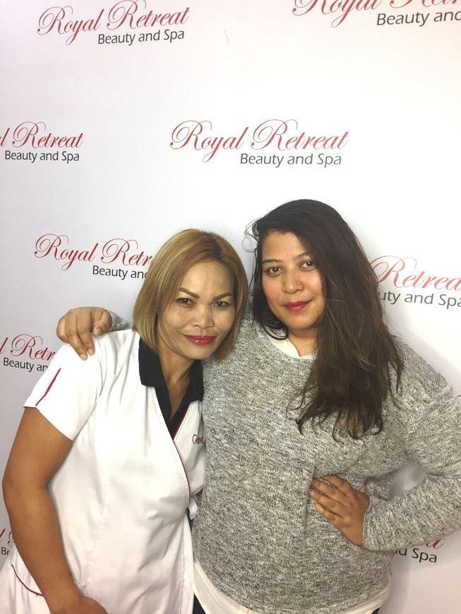 Royal Retreat Spa candle massage