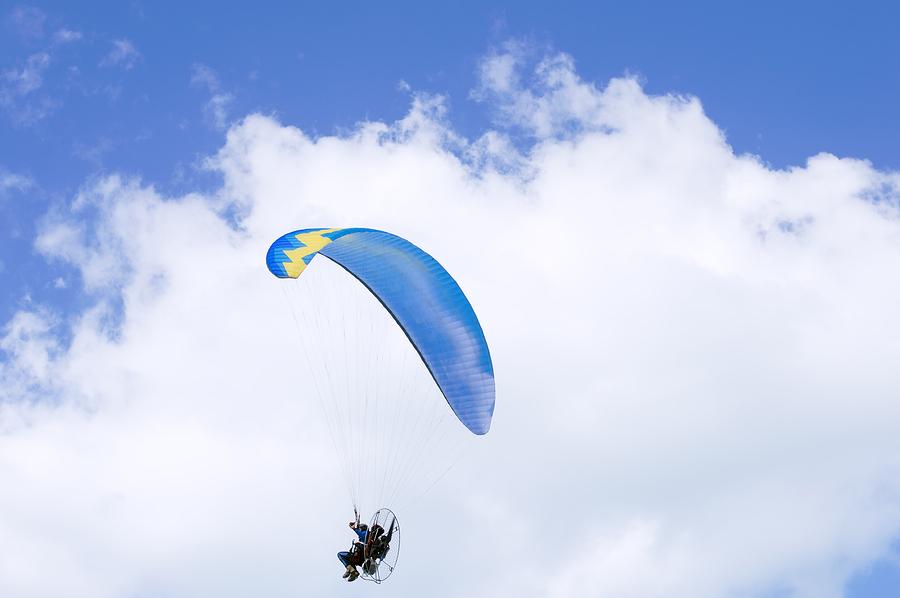 sky diving dubai teen activities