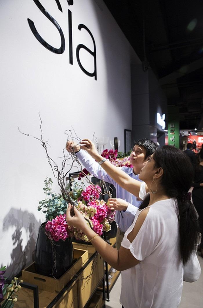 ExpatWoman & IDdesign Floral Workshop