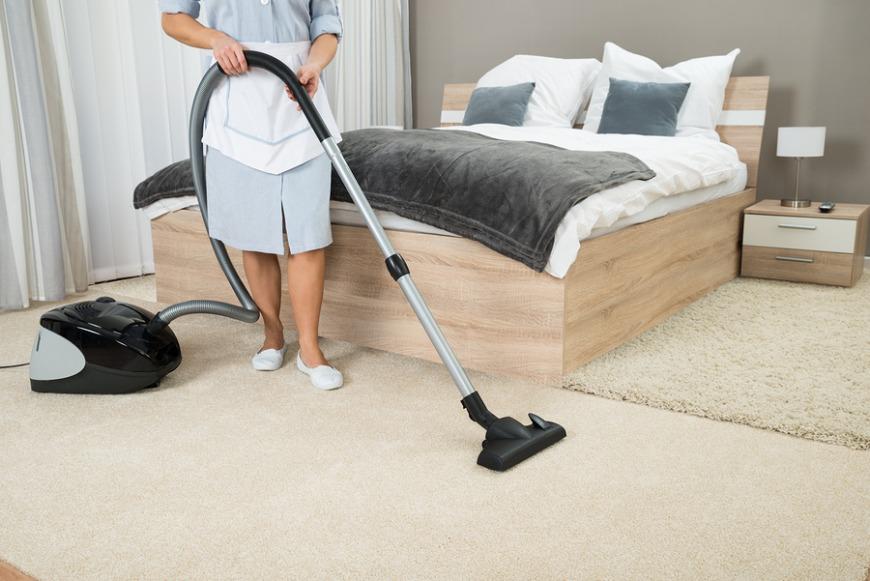Single men cannot sponsor a female housemaid in Qatar.