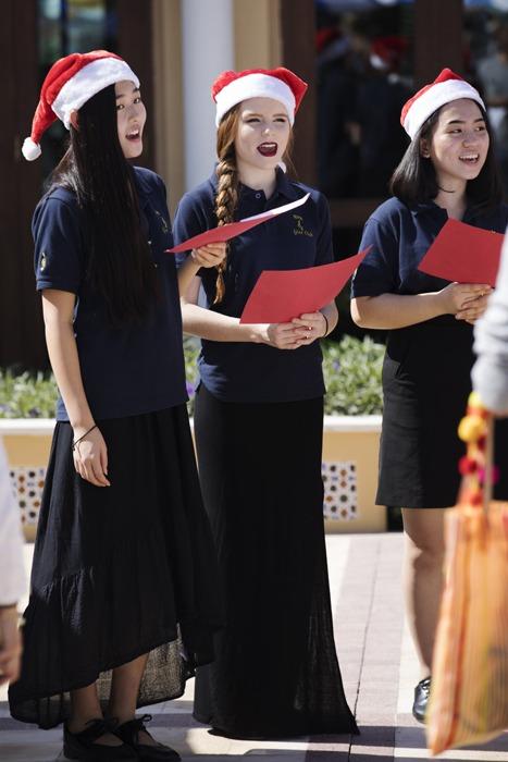The carol singers!