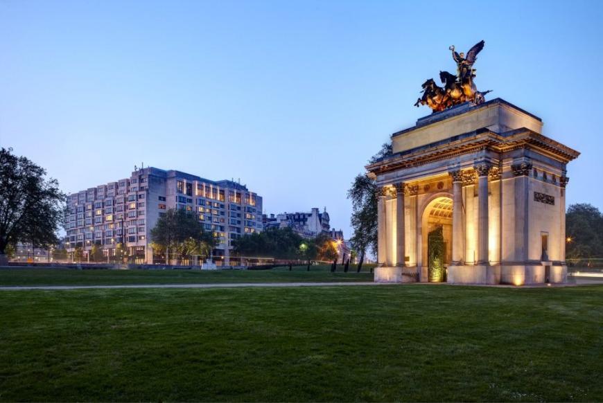 London Park Lane Hotel | Photo: FB @Intercontinental.London