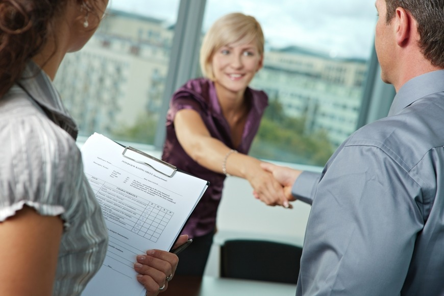 On an unlimited contract, expats can change employers without approval after five years.