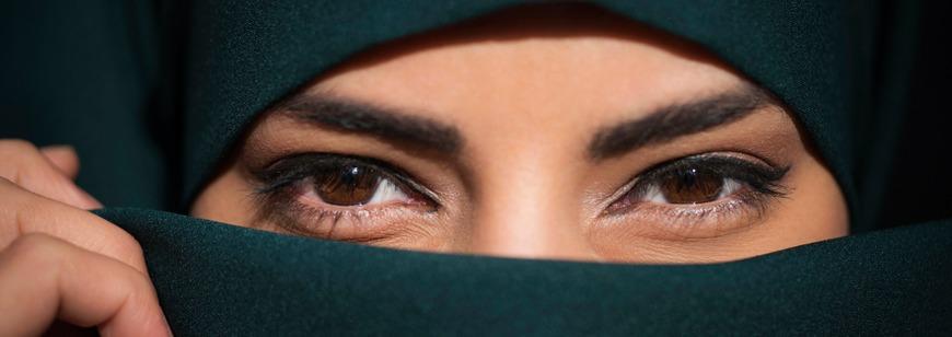 Womens dress code in Saudi Arabia - Abayas not necessary, says Crown Prince