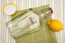 Green Cleaning: 4 Things to Keep in Mind when Using Vinegar