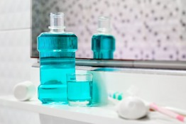 Can Regular Use of Mouthwash Replace Tooth Brushing?