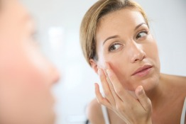 8 Point Facelift: Look Younger Without Going Under the Knife