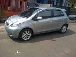Toyota Yaris 2011 full option new tyres, new registration, new battery, new polish