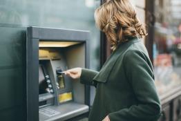 ExpatWoman.com's Women & Banking Survey
