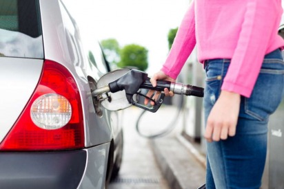 7 Fuel-Saving Driving Tips to Cope with the Fuel Prices in the UAE