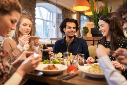 6 Tips to Have a Healthy and Balanced Social Life in Dubai