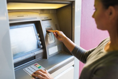 8 Things to Consider When Opening a Bank Account in Abu Dhabi