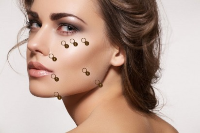 Look Younger Without Going Under the Knife With the 8 Point Facelift