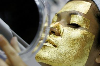 Rejuvenate Your Face With the 24k Gold Foil Mask in Dubai