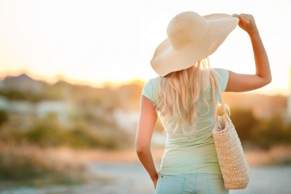 Protect Your Hair Naturally in the Sun