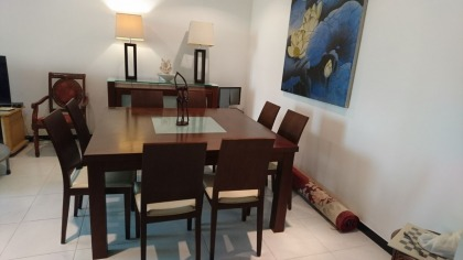 8 Seater Dining Set for sale- AED 4500